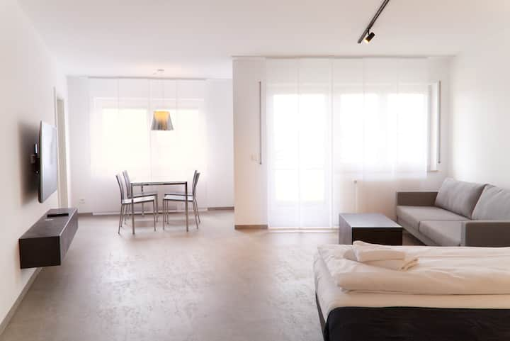 Helles, modernes Apartment am Karlsplatz