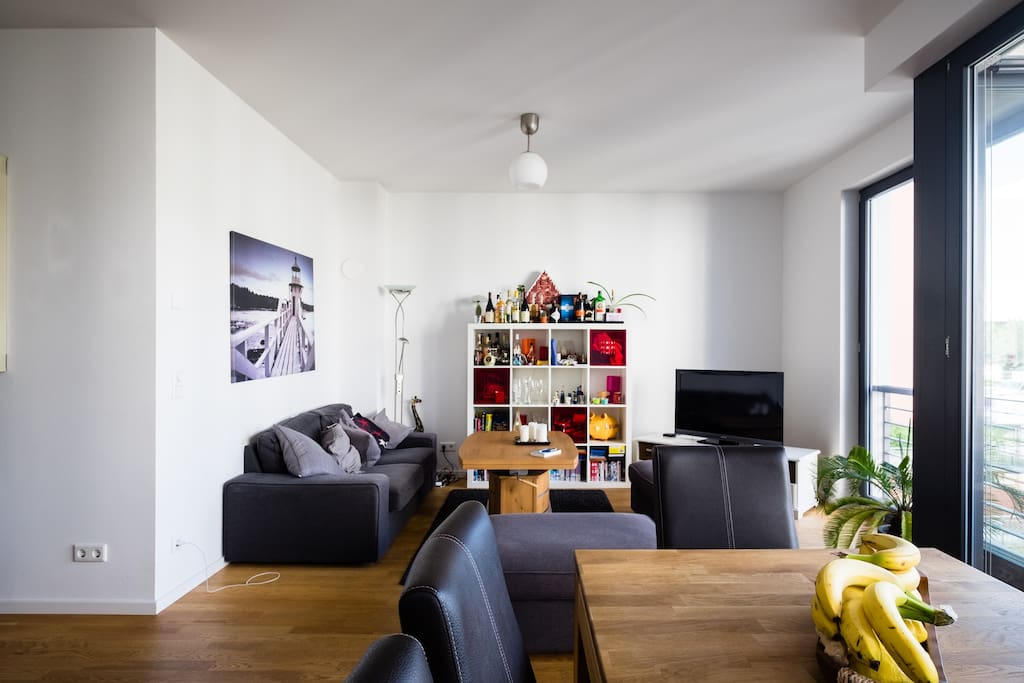 Lovely spacious living and dining area