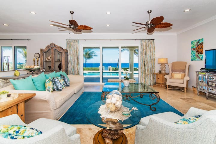 On The Rocks: Gated Beach Estate w/ Pool & Protected White Sandy Beach Nearby