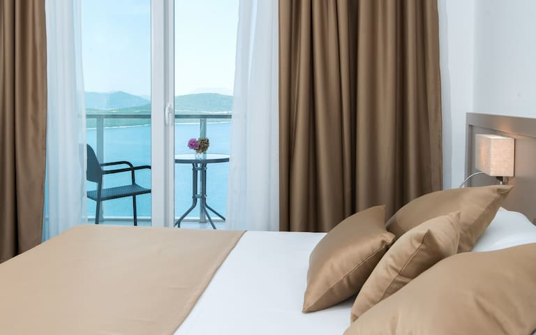 Hotel Jadran - Twin Room with Balcony and Sea View