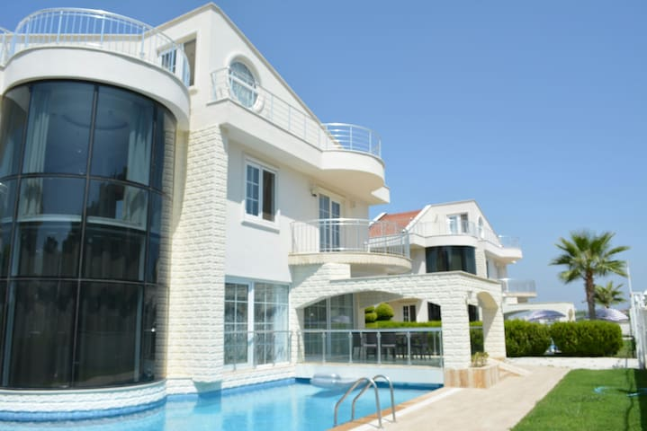 Crystal Water Estates Villa Belek 9 - Kadriye - Casa de camp