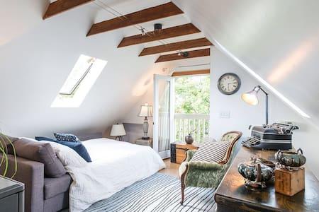 Sunny Kits loft in character home