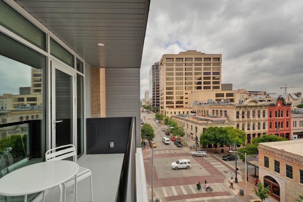 Loft On 6th St B5 Lofts For Rent In Austin Texas