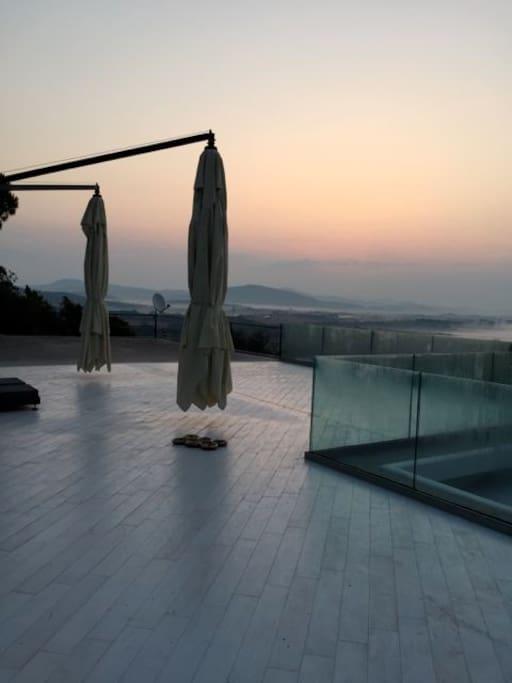 Villa mareblu sea view renovated villas for rent in for 1161 dawn view terrace