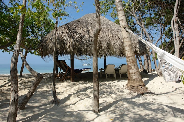 CARTAGENA-BARU: CARIBBEAN ISLAND