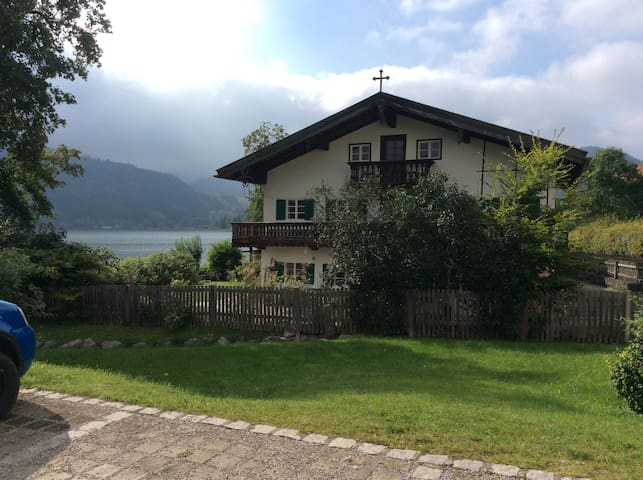 Seehäusl, Appartment directly on Lake Schliersee - Schliersee - House