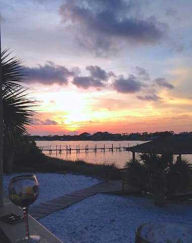 Sunset View Waterfront Beach Villa - Pensacola - Apartment