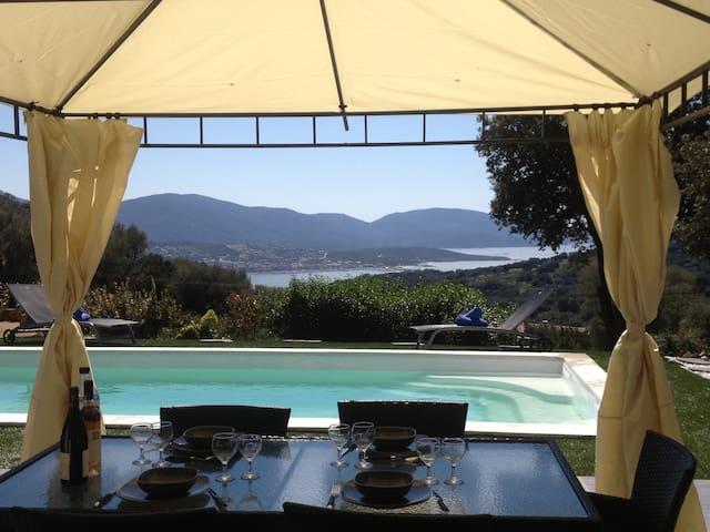 Superbe villa avec vue panoramique - Olmeto - Huis