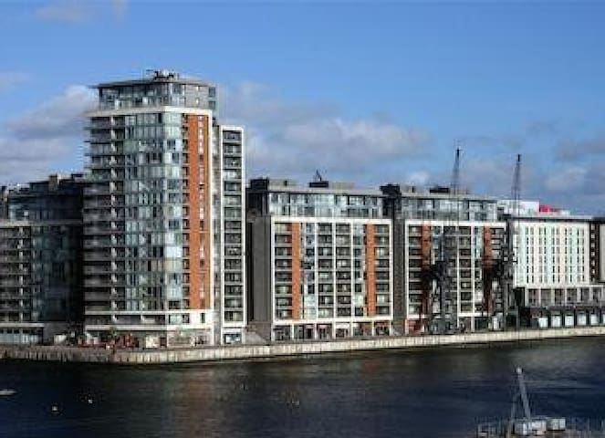 Luxury RiverSide 1 Bed Zen Apt - Londen
