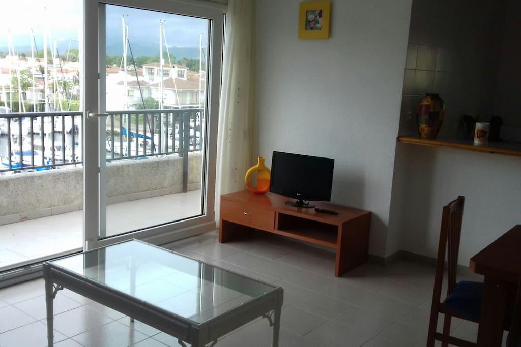 Salle de séjour / Sala de estar / Living room