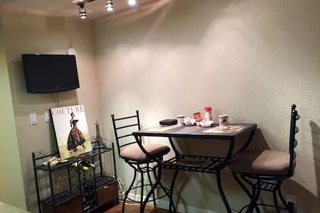 Cute Studio close to ASU/Scottsdale