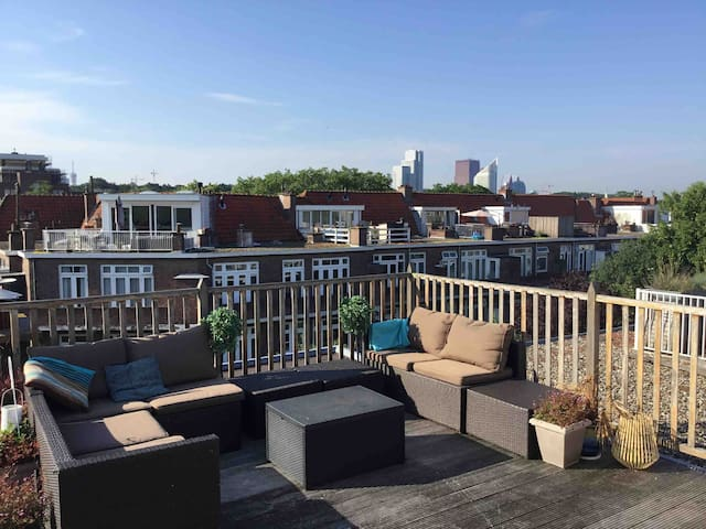 Large, quiet appartment with sunny roofterrace