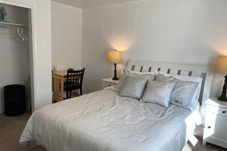 Cozy 2 Bed 1 Bath Home