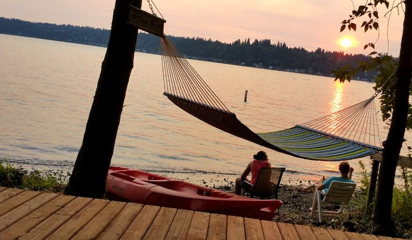 QUIET, ADULT Get Away with Private, Lake Access - Sammamish
