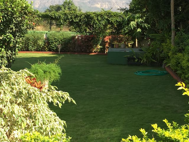 Gorgeous bungalow near Lonavala - Lonavala