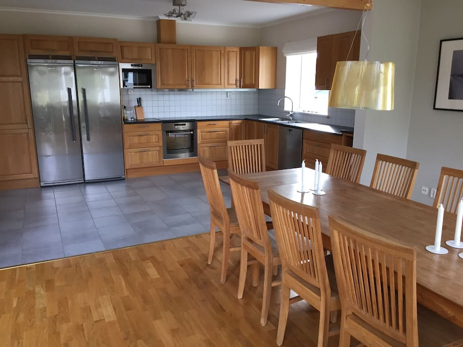 Dining area connected to kitchen