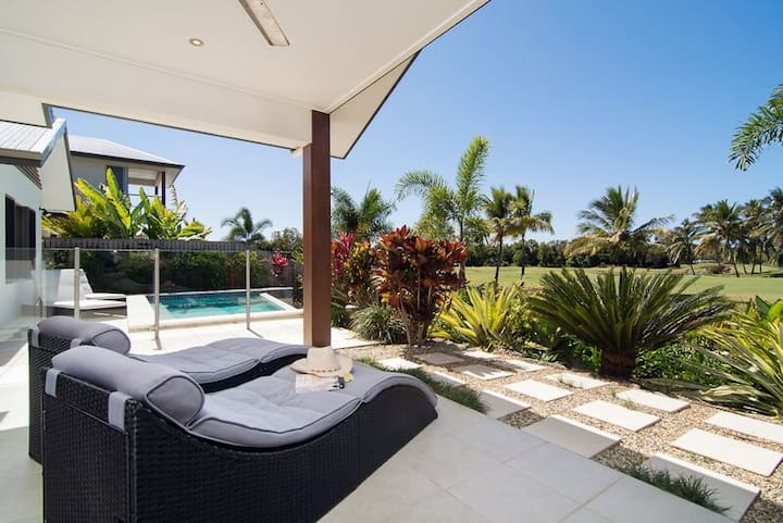 Jabiru Port Douglas Golf Retreat