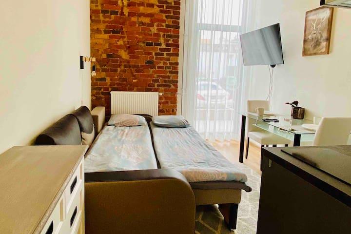 102 New Filosoofi studio apartment