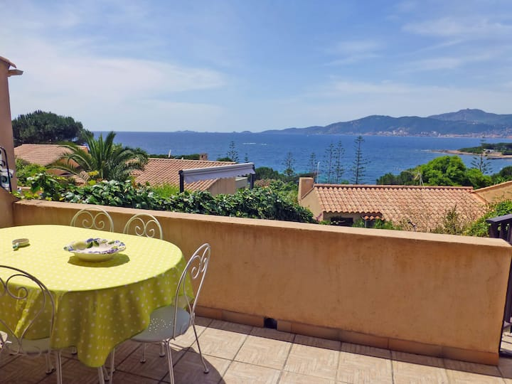 Terraced house with 3 bedrooms, 100 m from the sea