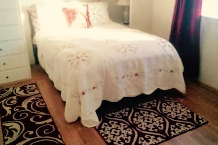 Wild Woman Ranch (1 bedroom) - Templeton - Apartment