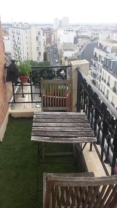 Appartement parisien avec balcon apartments for rent in for Appartement balcon paris