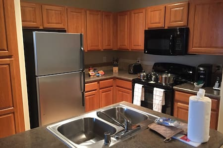 Fully Furnished 1 Bdrm Apartment Home! - Frisco - Apartment