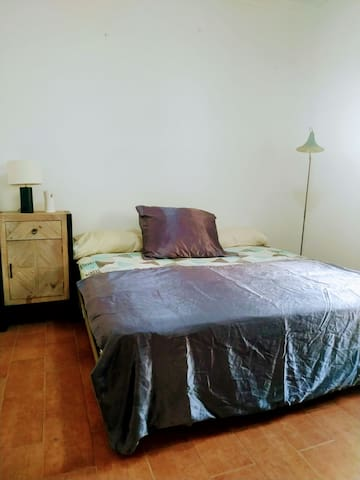 Central & charming double room in Sliema Ferries
