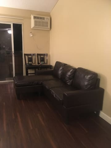 Single room available with family for stay