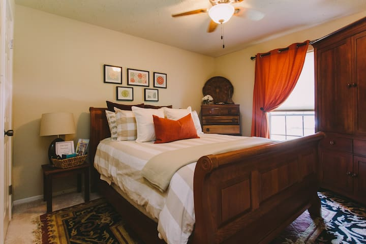 Beautiful Charming Home - Queen Bed - Sugar Land