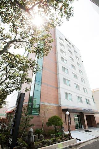 Hotel California in Seogwipo