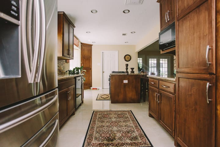 Great kitchen space for our guest.