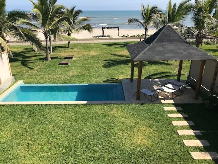 Casa frente al mar- Condominio de lujo Cabo Merlín