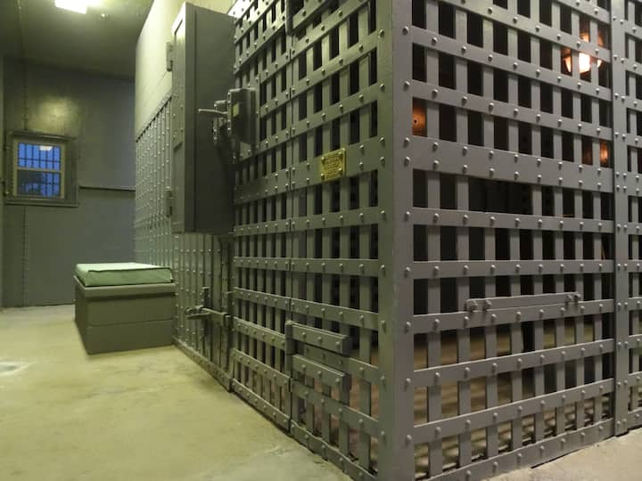 Franklin County Historic Jail Stay