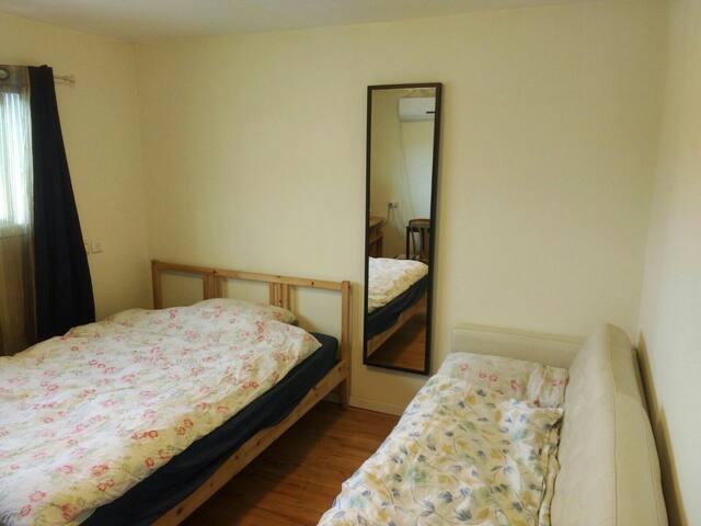 Comfortable Suite w/Terrace Btwn Jerusalem+TelAviv