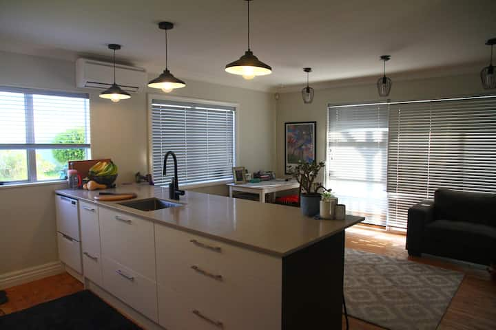 West Auckland pad, perfect for a longer stay
