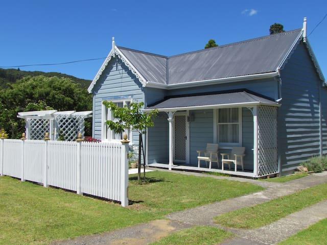 Coromandel Heritage Cottage