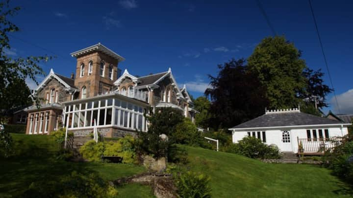 Scottish Highlands - Holly Lodge - Strathpeffer