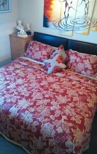 A room  in a  Luxury Lakeside Lodge - Little Billing