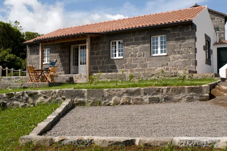 River Cottage - beautiful, peaceful location - Cedros - Hus