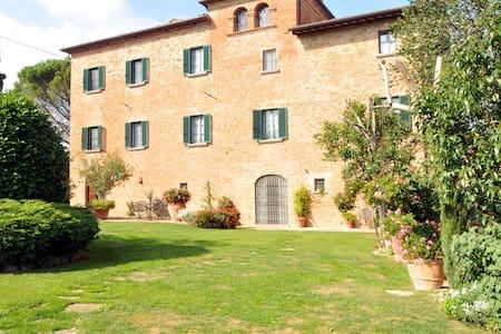 Villa Paffetti, cuore della Toscana - Vila