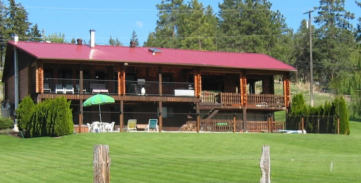 Kamloops Log Home Bed and Breakfast