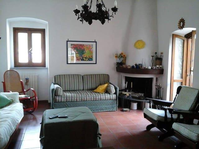 Villa 2 piani Itri centro - Itri - Hus