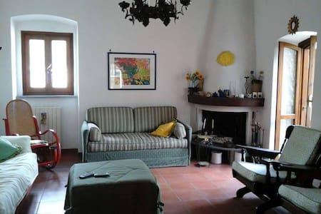 Villa 2 piani Itri centro - Itri - Dom