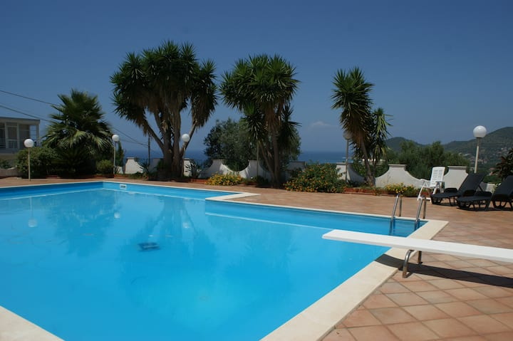 CILENTO PANORAMIC LARGE VILLA WITH POOL - 8 PEOPLE