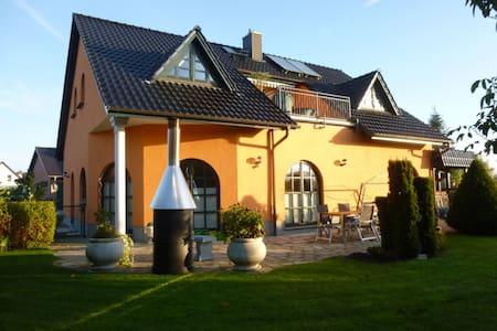 Einfamilienhaus/Villa am Inselsee