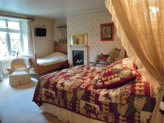 Fosse Farmhouse - The Pine Room - Nettleton - Penzion (B&B)