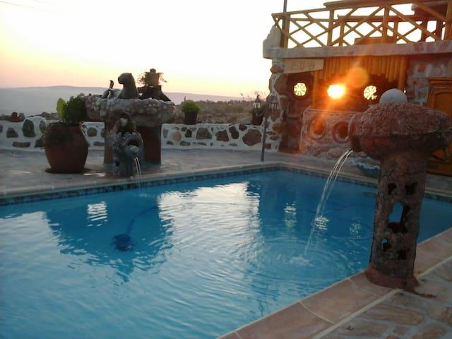 Paphos Accommodation - 4 Bedroom - Milia - Villa
