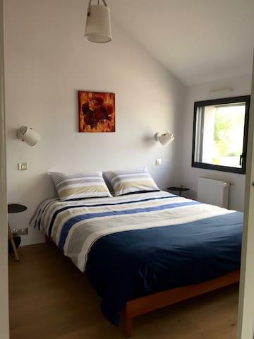 1ère chambre lit 160x200