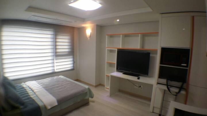 Haeundae White&Modern Guest House!!