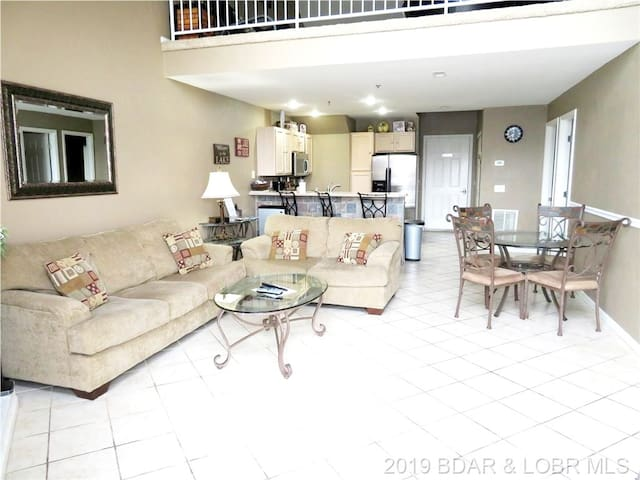 3BR 2 BA  Sleeps up to 12, Main Ch view ,Boat slip